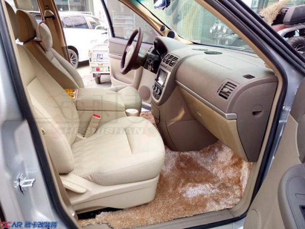 郑州汽车内饰改装 别克GL8内饰改装 GL8航空座椅改装 改装图片高清图片