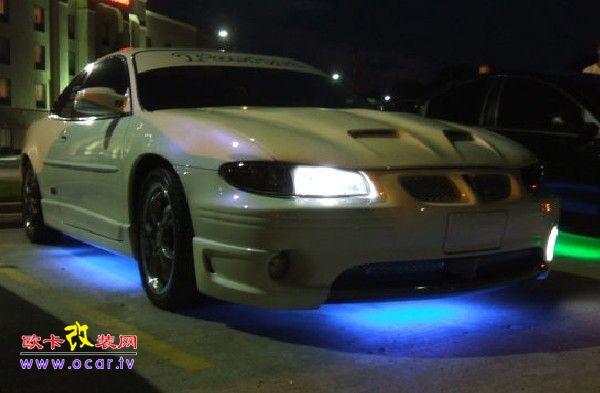 改装车型:大捷龙 改装部位:灯光 改装价格:1800元 改装目的:汽车底盘